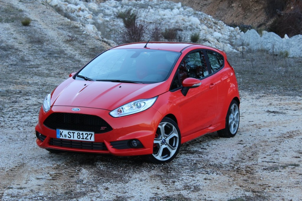 2014-ford-fiesta-st-euro-spec--first-drive-march-2013_100424139_l